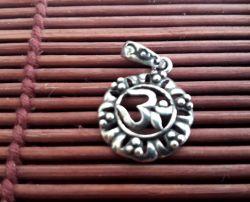 Pingente Indiano OM - Prata 925